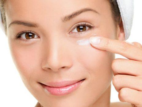 پیشگیری و درمان خشکی پوست دور چشم